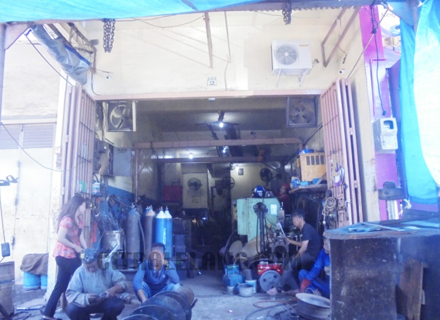 L210826-1010 Makassar BSS SUHERMAN (F1)